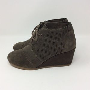 Toms Desert Suede Lace Up Wedges